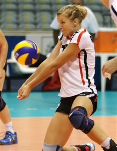 232x299xvolleyball-beginner-drills-2.jpg.pagespeed.ic.EOVTXVlaEl