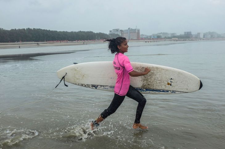 Bangladesh Surf Girls